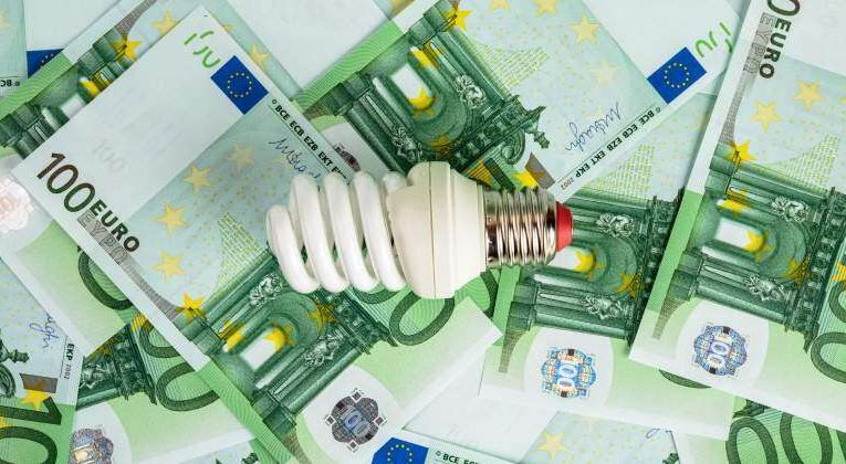 Price Of Electricity Falls This Sunday For The Third Day